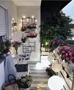 Comfy Balcony Design Ideas To Try Right Now 18