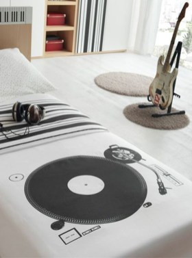 Cozy Bedroom Design Ideas With Music Themed That Everyone Will Like It 31