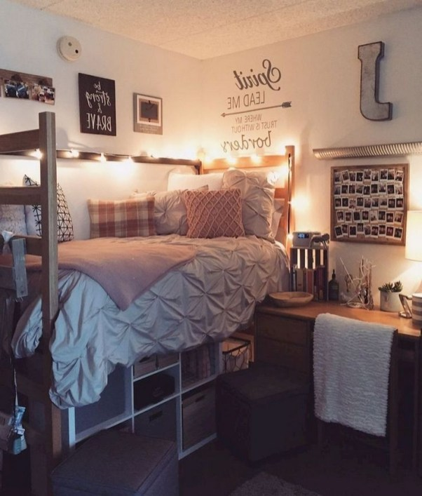 Cozy Dorm Room Design Ideas That Looks More Awesome 38