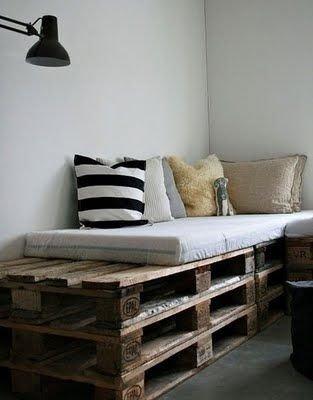 Enchanting College Bedroom Design Ideas With Outdoor Reading Nook 16