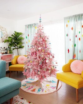 Pretty Pink Winter Tree Decorating Ideas That Looks So Awesome 22