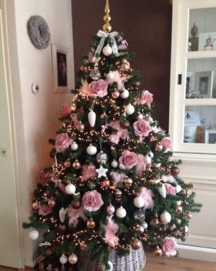 Pretty Pink Winter Tree Decorating Ideas That Looks So Awesome 47