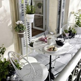 Relaxing Covered Balcony Design Ideas To Try In Apartment 27