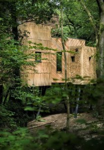 Sparkling Treehouse Design Ideas With Recycled Materials That You Should Have 05