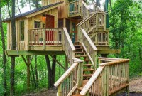Sparkling Treehouse Design Ideas With Recycled Materials That You Should Have 24