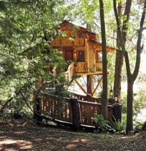 Sparkling Treehouse Design Ideas With Recycled Materials That You Should Have 29
