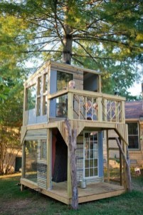 Sparkling Treehouse Design Ideas With Recycled Materials That You Should Have 30