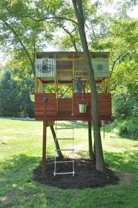 Sparkling Treehouse Design Ideas With Recycled Materials That You Should Have 32