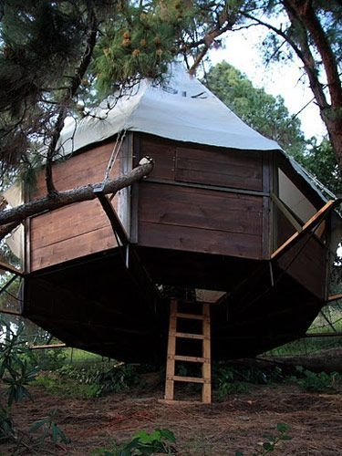 Sparkling Treehouse Design Ideas With Recycled Materials That You Should Have 37