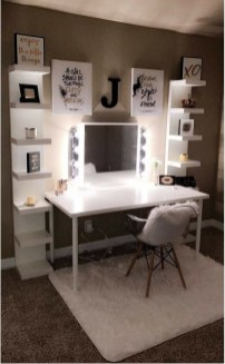 Affordable Home Decoration Ideas With Makeup Vanity That Can Inspire You 03