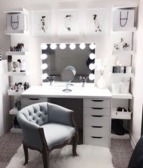 Affordable Home Decoration Ideas With Makeup Vanity That Can Inspire You 15