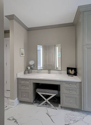 Affordable Home Decoration Ideas With Makeup Vanity That Can Inspire You 24