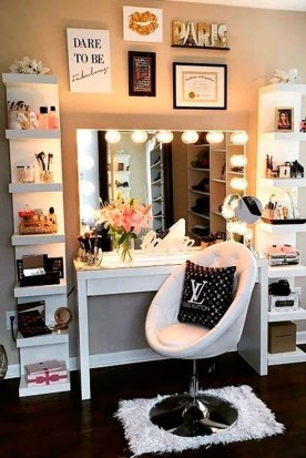 Affordable Home Decoration Ideas With Makeup Vanity That Can Inspire You 34