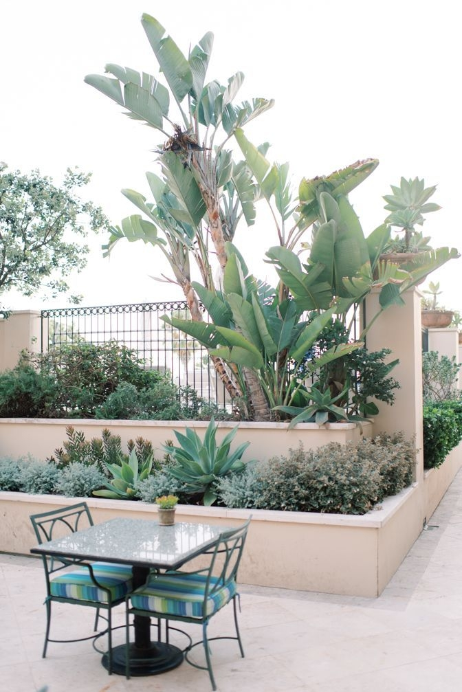 Amazing Classical Terrace Design Ideas To Try This Spring 07