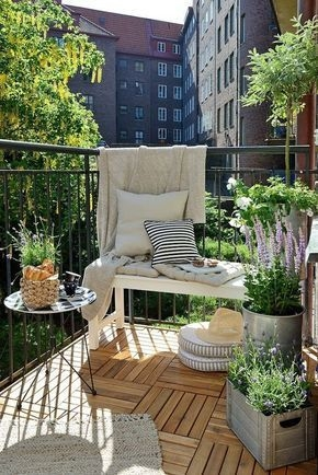 Amazing Classical Terrace Design Ideas To Try This Spring 24