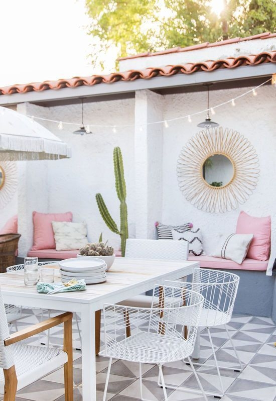Amazing Classical Terrace Design Ideas To Try This Spring 39