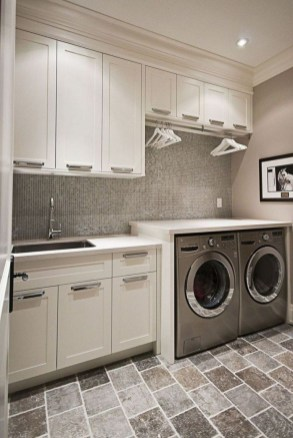 Astonishing Small Laundry Room Design Ideas For Organization To Try 18