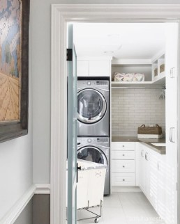 Astonishing Small Laundry Room Design Ideas For Organization To Try 39