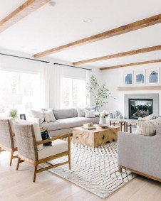 Awesome Living Room Wood Floor Decoration Ideas That You Need To Try 19