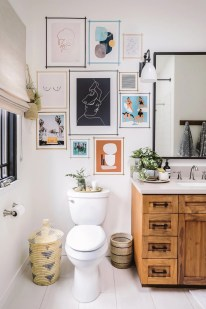 Brilliant Bathroom Wall Décor Ideas That Will Awesome Your Home 01