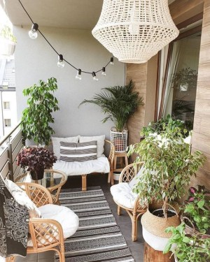 Incredible Small Apartment Balcony Design Ideas On A Budget To Try Asap 16