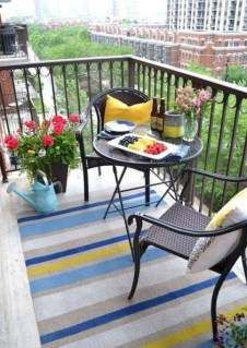 Incredible Small Apartment Balcony Design Ideas On A Budget To Try Asap 30