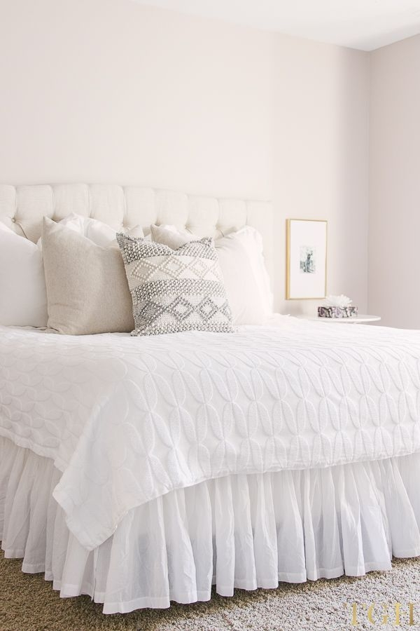 Inexpensive Easter Bedroom Interior Design Ideas That You Need To Know 18