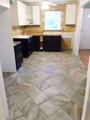 Lovely Floor Kitchen Tile Design Ideas That Make You Amazed 24