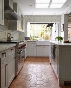 Lovely Floor Kitchen Tile Design Ideas That Make You Amazed 37