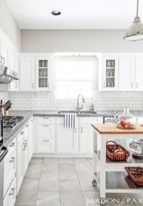 Lovely Floor Kitchen Tile Design Ideas That Make You Amazed 41