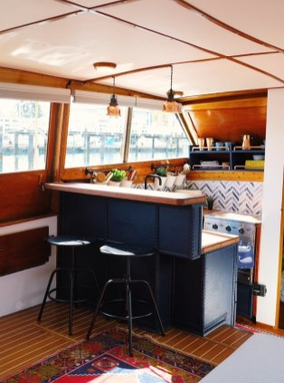 Magnificient Houseboat Design Ideas With Imaginative Dream 27