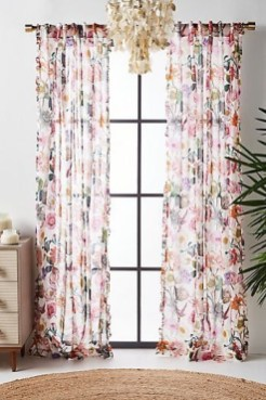 Stunning Bedroom Decoration Ideas With Flower Curtain To Try Right Now 08