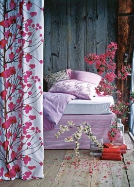 Stunning Bedroom Decoration Ideas With Flower Curtain To Try Right Now 25