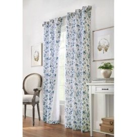 Stunning Bedroom Decoration Ideas With Flower Curtain To Try Right Now 29