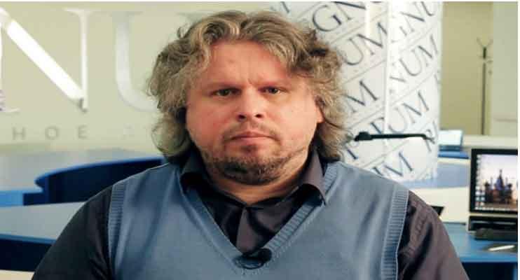 Russian blogger and journalist Stanislav Stremidlovsky,