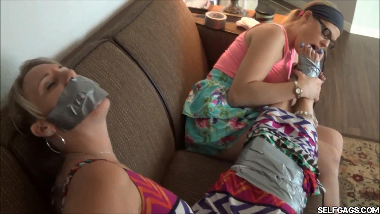 Lexi Belle Lesbian Feet
