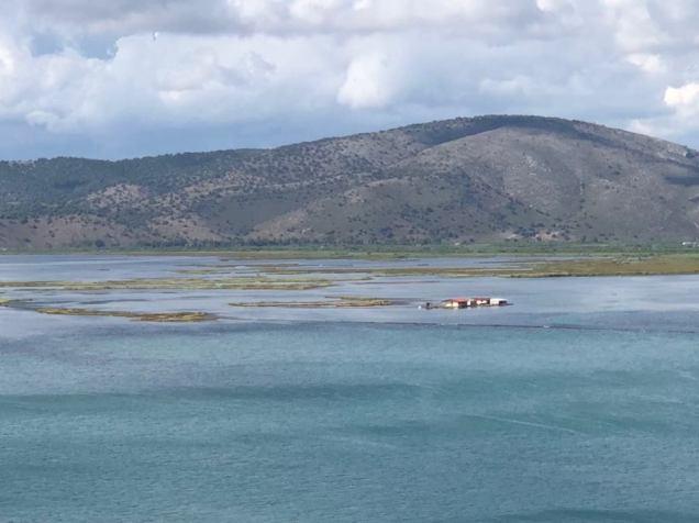 Pohled na lagunu Petalas