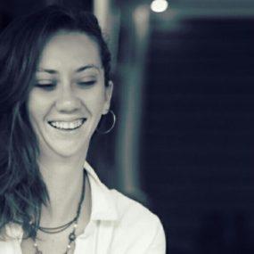 Amanda Correia - Professora de Ballet e Dança para crianças