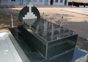 grave-of-rajaratnam-bandela