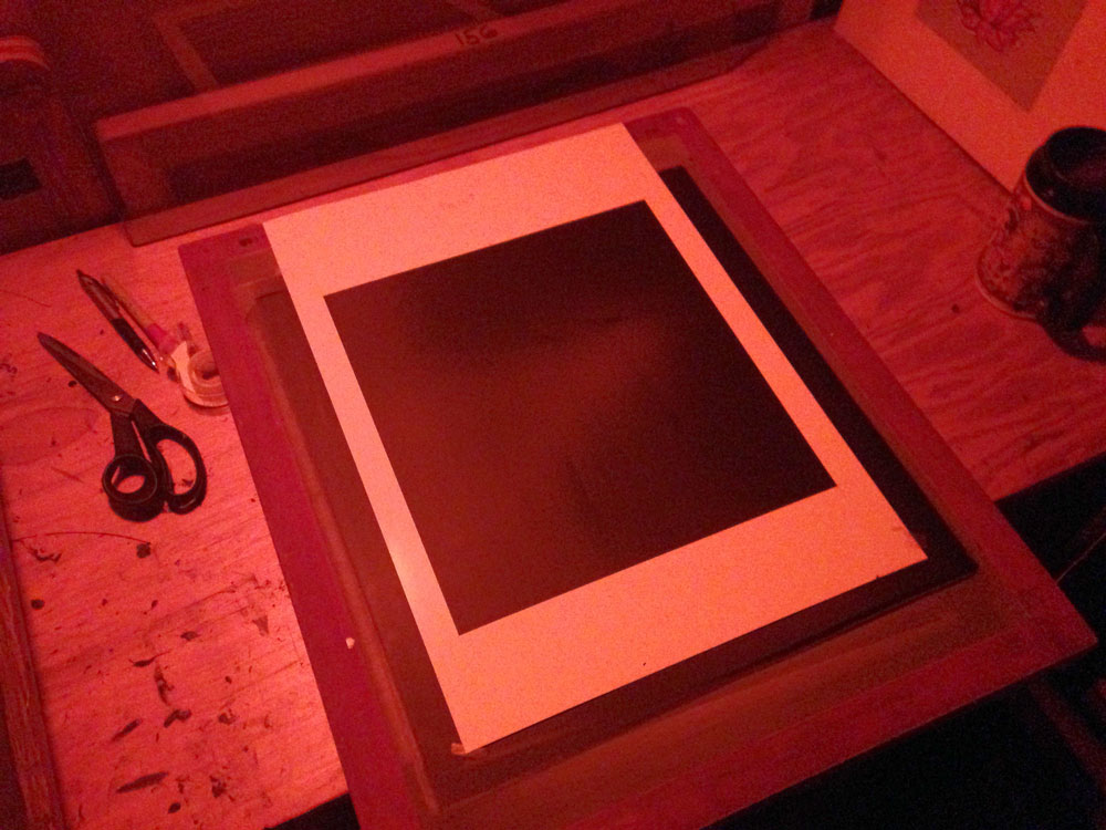 0bbd5a67 Here you see a screen with a paper marker cut at 12″ x 14″ to mark image  area.