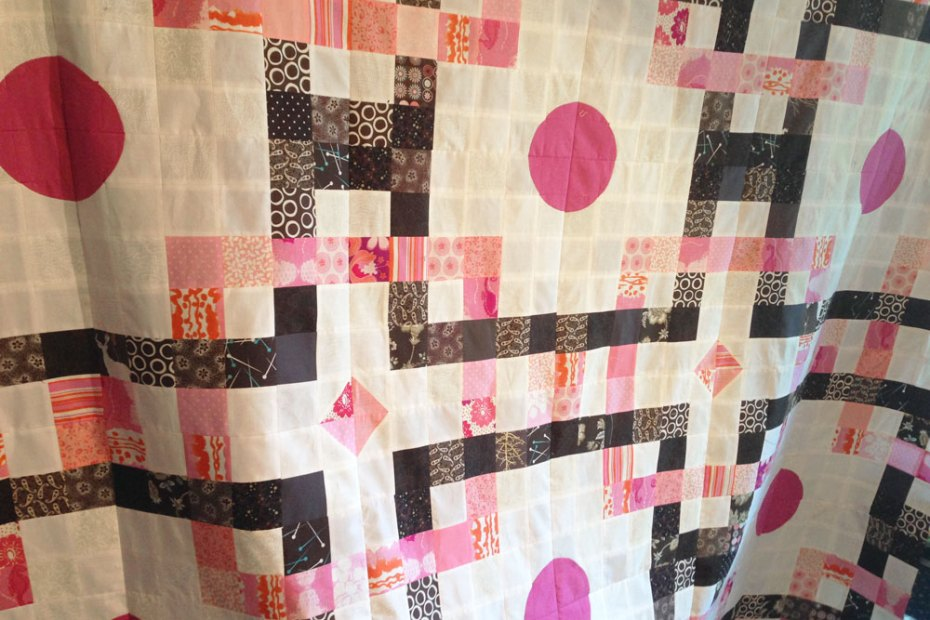 interlaced orbs quilt top