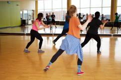 People doing an aerobics class.