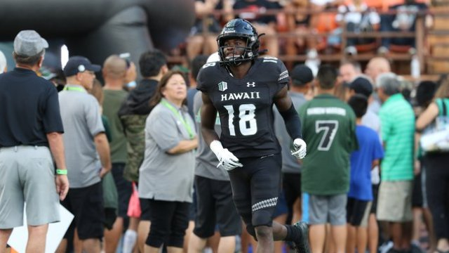 Flowery Branch grad Cortez Davis feeling right at home with University of  Hawaii football team - Gainesville Times