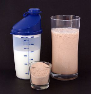 protein powder, protein shake, how to gain weight, gain muscle, bulk up, whey, casein, protein supplement