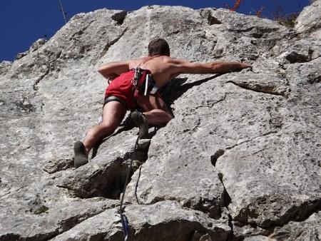 climbing-380172_640