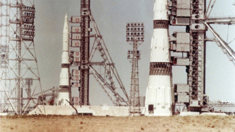 Space Race or Insanity? Soviet Union's Doomed Rockets ...