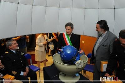 §Inaugurazione del planetario GOTO ex-3 alla scuola Nuzzo da parte del sindaco di Roma Gianni Alemanno