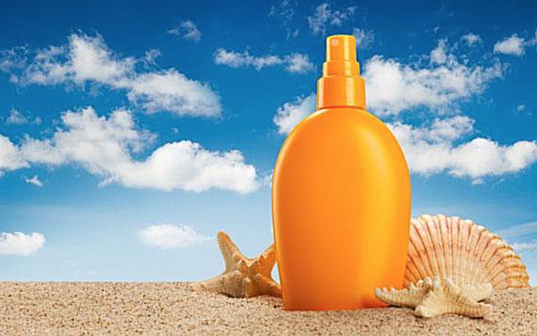 This Is Why Sunscreen Will Actually INCREASE Your Risk Of Skin Cancer