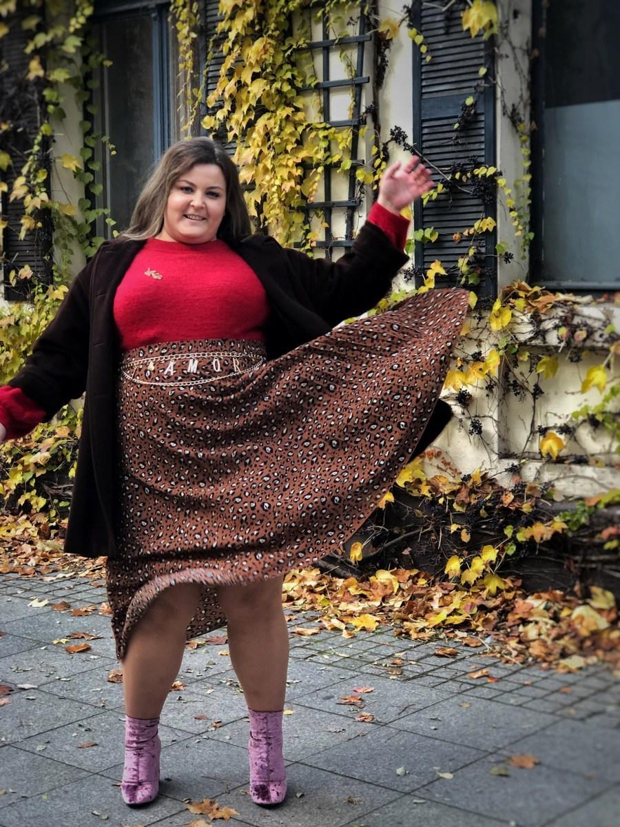 """Pantera Salonowa – jesienna stylizacja plus size """"na-winie""""10 min. czytania"""