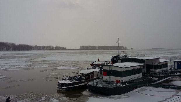 sloiuri-de-gheata-pe-Dunare